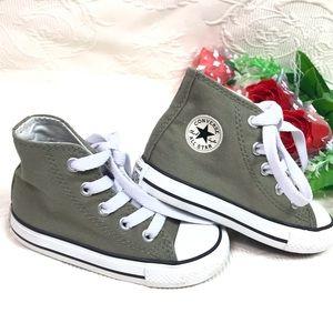 Converse All Start high Tops Infants Sneakers Sz 6